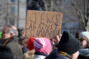 JewsAgainstIslamophobiaprotestsign